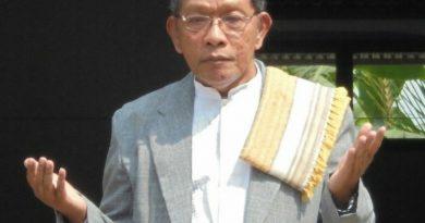 Pimpinan Pondok Modern Al-Islah Dorowati KH Muslih Abdullatief Lc